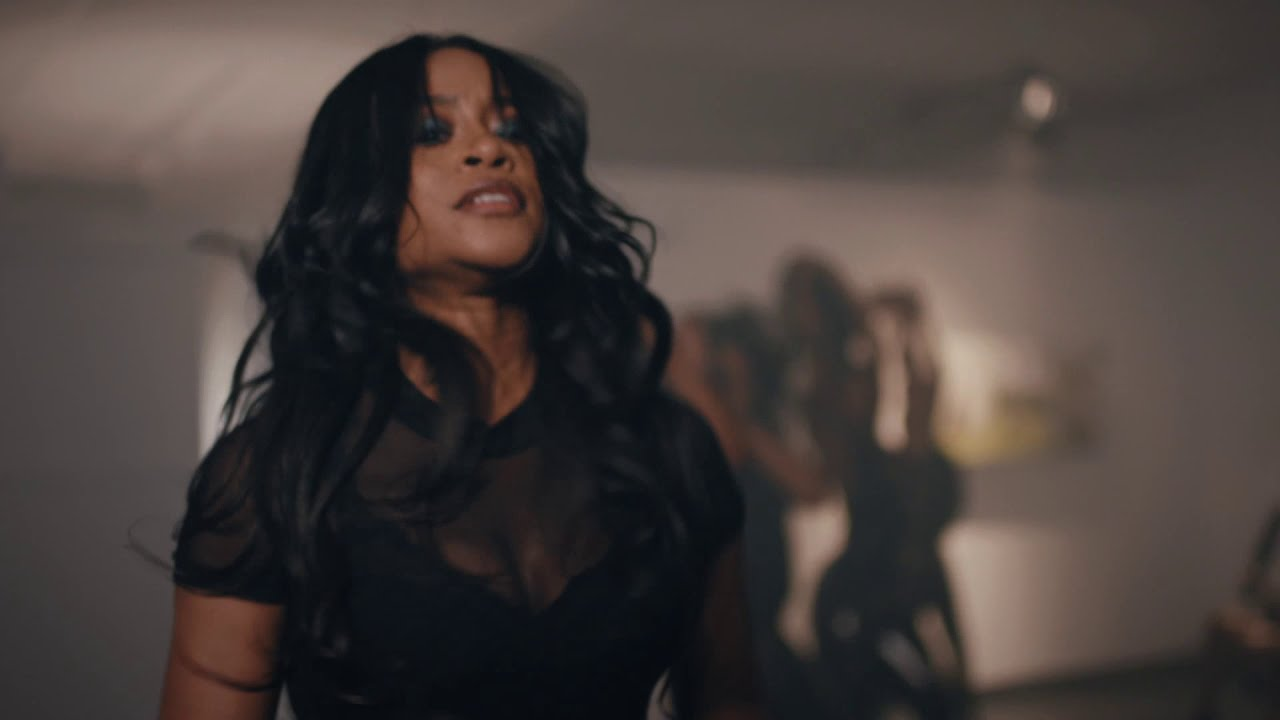 """WATCH Jessica Ray's New Music Video, """"Whatever"""""""