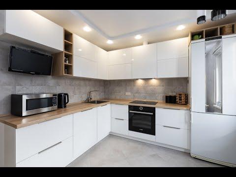 """Угловая белая кухня с столешницей под дерево """" Марта"""" от Мебельной компании Эверест @everestminsk"""