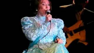 loretta lynn blue kentucky girl