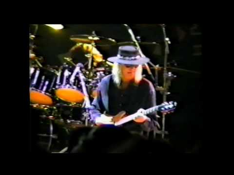 Great White - Babe I'm Gonna Leave You - Live in Alton