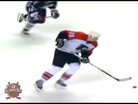 Подборка силовых приёмов и столкновений в хоккее.