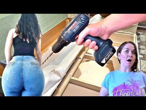 Девушка с огромной задницей сломала новую кровать! Простой способ как починить диван своими руками