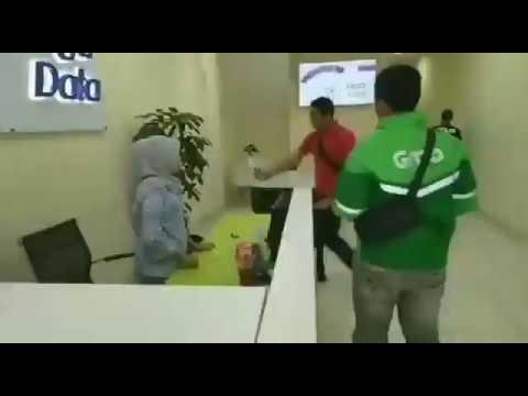 Kantor Pinjaman Online Di Grebek Polisi Youtube