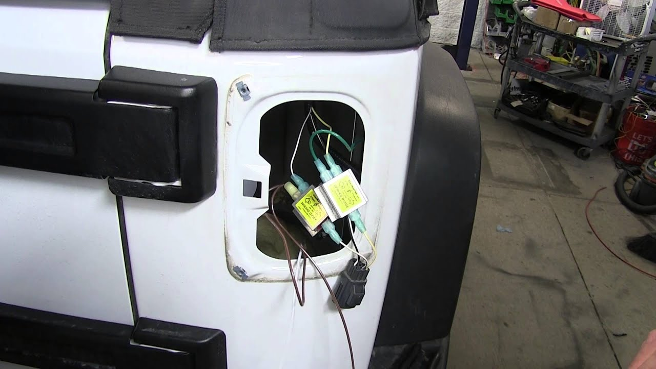 installation of the roadmaster tow bar wiring kit on a 2014 jeep rh youtube com