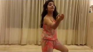 Hot Dhaka Girls Sexy Dancing 18+