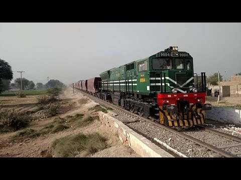Pakistan Railways 4500 Hp GE Beast 9004 With Powerful Horn, Passing Jhanian
