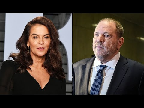 Annabella Sciorra confronts Harvey Weinstein at trial, testifying he raped her
