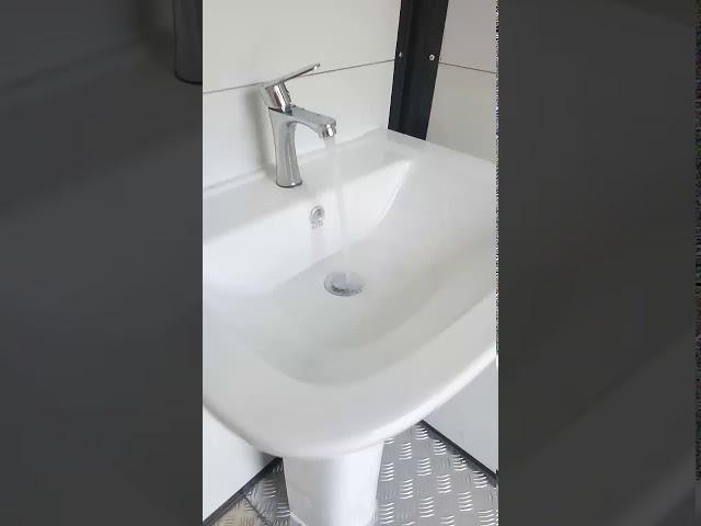 ห้องน้ำสำเร็จรูป รวมระบบท่อและสุขภัณฑ์ ฿40,000  ไม่รวมค่าติดตั้งและรวมถังบำบัด ขนส่ง Size1.80x1.80 m