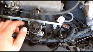 видео Как почистить форсунки на Honda Fit GD. Часть 1 - СНЯТИЕ