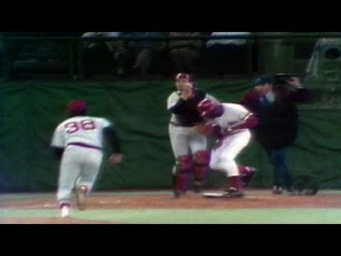 1975 WS Gm3: Fisk gets tangled up with Armbrister
