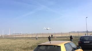 Riesen-Show am Airport: Größte Flugzeug der Welt landet in Leipzig