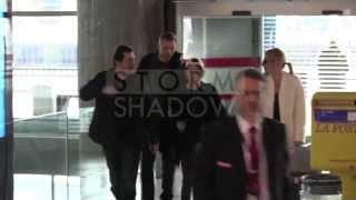 Kristen Stewart HIDING herself as she departs from Paris