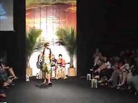 Desfile da Mormaii no Natal Fashion week
