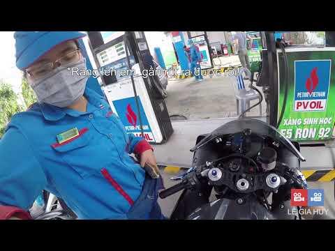 Yamaha R1 đổ xăng đầy bình bao nhiêu tiền, có hao xăng không?