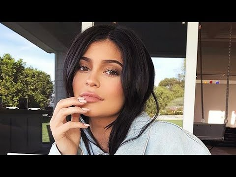 Kylie Jenner & Travis Scott Fighting About Her Pregnancy Reveal?