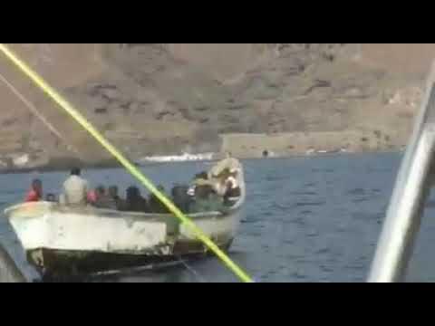 ? Vean cómo se CUELAN los inmigrantes a España por el Puerto de Güímar.
