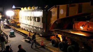 日通大型トレーラーによる巨大変圧器の輸送