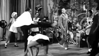 Hellzapoppin' (1941) - Whitey's Lindy Hoppers w/ Dancers' Names - Harlem Congaroos