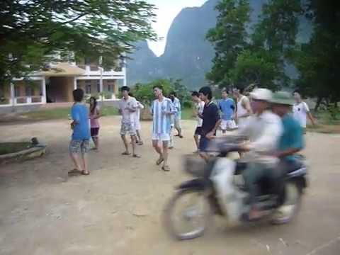 Dân vũ té nước Thái Lan ^^