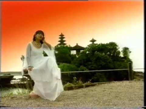 Merry Andani Denpasar Moon