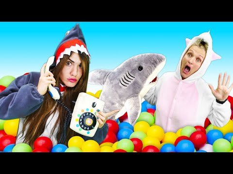 Видео для детей с Единорожкой- Что у Акулы на обед? - Новые игры одевалки для девочек.