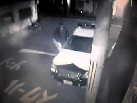 大阪西警察の奥浦組員が家に襲い...