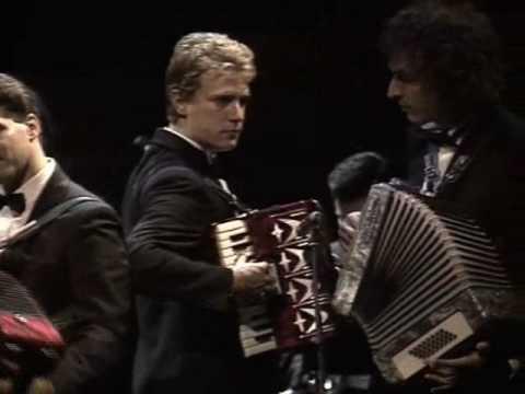 Paolo Conte - Max    (Live Amsterdam 1988)