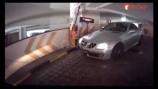 Mercedes driver is hot on Stomper's trail to tailgate his car out of Depot Heights carpark