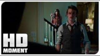 Крис пытается уехать из дома   Прочь 2017   Момент из фильма