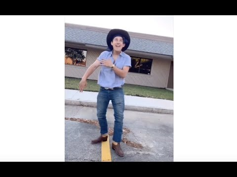 WHAT HAPPENS WHEN A COWBOY LISTENS TO OLD TOWN ROAD (LIL NAS X)