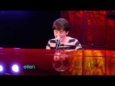 Greyson Chance - Waiting Outside the Lines (Live on Ellen DeGeneres 02-23-2011).mp4