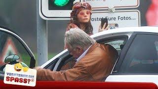 Der hat`s verdient: Verrückte Fahrstunde mit Joyce Ilg | Verstehen Sie Spaß?