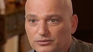 Howie Mandel Talks About Living With OCD | 20/20 | ABC News thumbnail