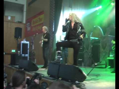 PICTURE Live at K.I.T  Germany   Heavy Metal Ears + Diamond Dreamer