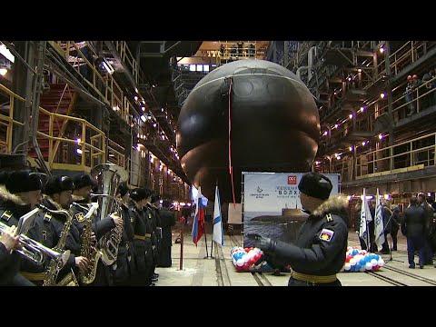 В Санкт-Петербурге спустили на воду новую дизель-электрическую подлодку для Тихоокеанского флота.