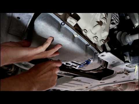 Mitsubishi ASX  Мицубиси АСХ 1,8 2013 года Замена масла и фильтров в вариаторе