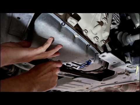 Фото к видео: Mitsubishi ASX Мицубиси АСХ 1,8 2013 года Замена масла и фильтров в вариаторе