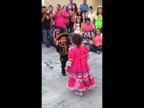 Kids dancing jarabe tapatio mariachi