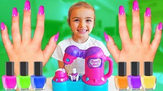 Las Ratitas se pintan las uñas en colores pretend play shopping nail polish for kids