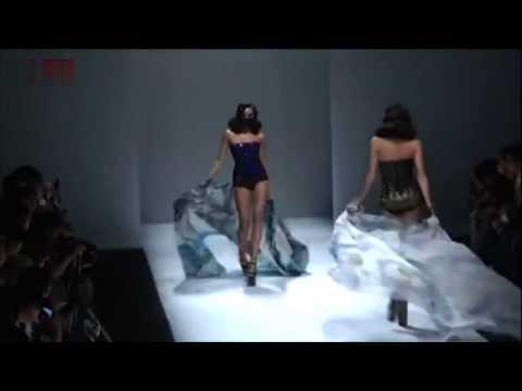 """Sheguang Hu Fall/Winter 2014 fashion show """"SECCRY"""""""