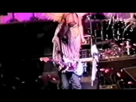 Nirvana   Live at the Oakland Alameda County Coliseum Arena, 1993, Full MATRIX