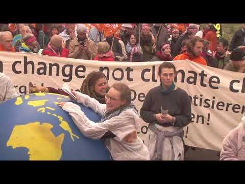 """System change, not climate change!"" - attac-Block - COP23-Klimademo in Bonn (4.11.2017)"