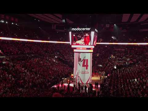 Watch: LeBron James and Lakers, Trail Blazers players introduced before tipoff in Portland