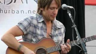 "Keith Urban - Live @ Verizon in Pasadena - ""Somebody Like You"" (Acoustic)"