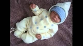 Костюмчик спицами для новорожденных