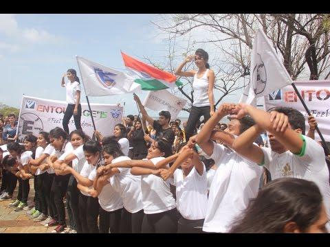Human Chain in Bandra Against Coastal Road