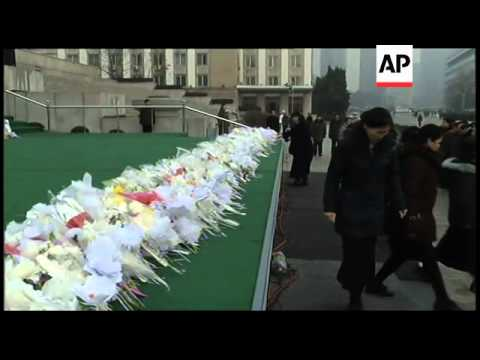 NKoreans mourn their late leader in Kim Il Sung Square