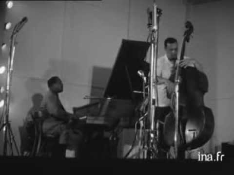 Bud Powell plays ' I remember April' Live