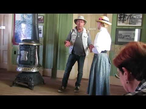 Diàleg divertit al Hat Creek Ranch - Cache Creek - Columbia Britànica - Canadà-oest