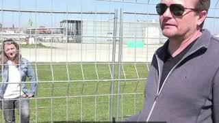 德国瑞士因疫情关闭边境 恋人们隔铁丝网相望